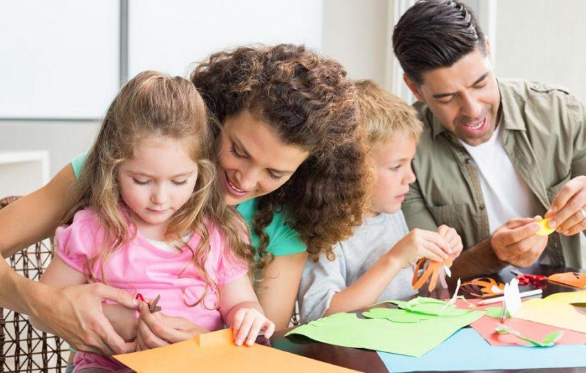 """""""Κάνε ό,τι κάνω"""": Τα παιδιά μαθαίνουν αυτό που ζουν"""